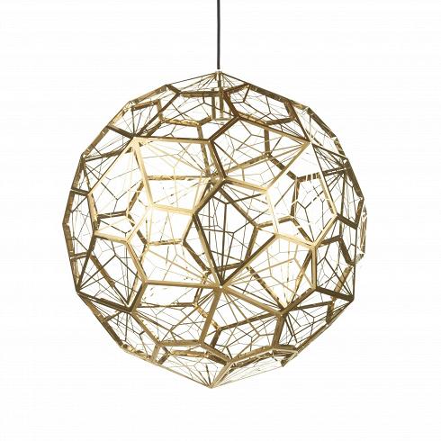 Подвесной светильник Etch Web диаметр 65Подвесные<br>ETCH WEB— это лампа необычной открытой структуры сбольшим абажуром размером 65см, отбрасывающая угловатые, острые тени. Экспериментальная структура лампы представляет собой пятиугольник неправильной формы, который повторяется 60 раз вокруг центральной оси, создавая общую сферу.<br><br><br>Лампа вкаком-то смысле представляет собой еще один эксперимент дизайнера. Светильник ETCH WEB выполнен изнержавеющей стали взолоте ихроме.<br><br>DESIGNER: Tom Dixon