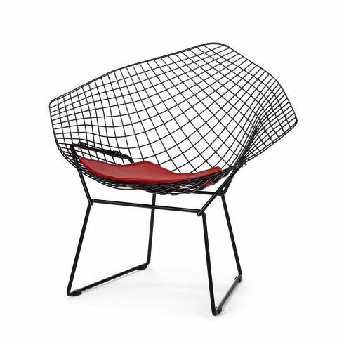 Кресло DiamondИнтерьерные<br>Кресло Diamond, равно как идругие известные работы Гарри Бертойи, одно изсамых известных кресел XX века.<br><br><br> Хрупкий внешний вид кресла Diamond обманчив. Филигранное и хрупкое на вид, это удобное и просторное кресло изготовлено изпрочной полированной хромированной стали, контуры кресла словно стараются угадать черты тела для максимального комфорта сидящего. В своем творчестве Бертойя экспериментировал с металлическими формами, и эти кресла были продолжением этой работы...<br><br>DESIGNER: Harry Bertoia