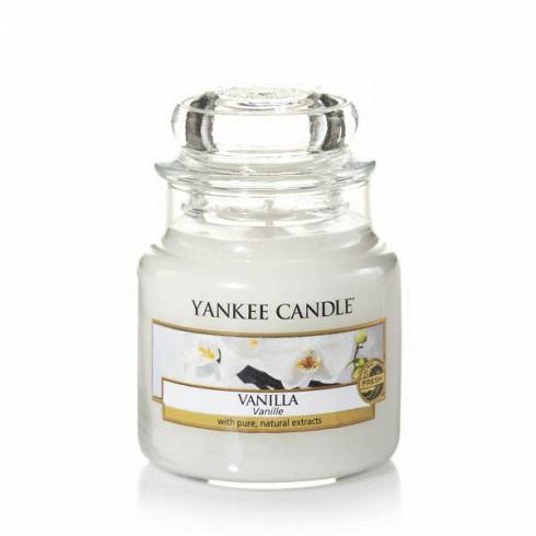 Свеча маленькая  в стеклянной банке Vanilla свечи yankee candle свеча маленькая в стеклянной банке сказочные летниe ночи dreamy summer night 104гр 25 45 часов