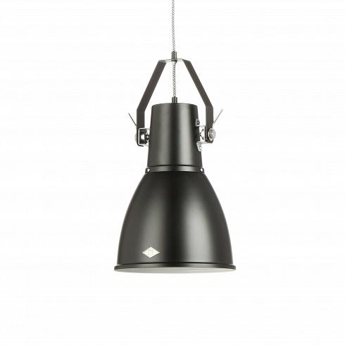 Подвесной светильник StirrupПодвесные<br>Подвесной светильник Stirrup — это лампа, вдохновением для создания которой послужил маленький прожектор вкузове игрушечного грузовика. Эта идея легла воснову создания коллекции Stirrup— совершеннейшего шика индустриального дизайна.<br><br><br><br><br><br> Подвесной светильник Stirrup может быть легко интегрирован к многим интерьерным решениям.<br>