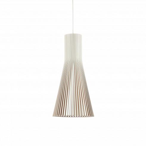 Подвесной светильник Secto 4200Подвесные<br>Компания Secto Design является финским производителем дизайнерских светильников издерева, обретающих всемирную известность. Изготавливаемые вручную высококвалифицированными специалистами изнатуральной древесины березы, они наделены простотой ичеткостью скандинавского стиля. Торшеры, подвесные светильники инастенные бра, атакже настольные лампы обеспечивают мягкое свечение ипридают атмосферность любому помещению.<br><br><br> Подвесной светильник Secto 4200 при...<br><br>DESIGNER: Seppo Koho
