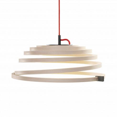 Подвесной светильник Aspiro 8000Подвесные<br>Подвесной светильник Aspiro 8000 отфинского дизайнера Сеппо Кохо очаровывает своей спиралевидной формой изпрессованной березы. Вкачестве источника света используются светодиодные лампы. Древесина обеспечивает мягкое привлекательное свечение, создающее умиротворяющую атмосферу, асветодиодные лампы— это долговечные, экологичные иэнергосберегающие источники света.<br><br><br><br> Подвесной светильник Aspiro 8000, созданный Сеппо Кохо, опережает свое время. Идея с...<br><br>DESIGNER: Seppo Koho