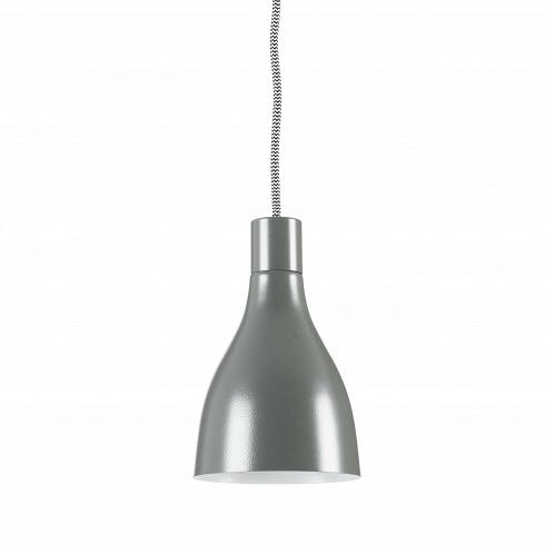 Подвесной светильник NofootПодвесные<br>Подвесной светильник Nofoot<br><br><br><br>Простой, но элегантный подвесной светильникNofoot оформлен в традиционном стиле. Выполненный из материалов высокого качества, он идеально подойдет для современных интерьеров.<br>