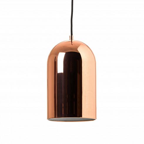 Подвесной светильник Corp диаметр 18Подвесные<br>Плавность линий и овальная форма придают этому подвесному светильнику лёгкость и простоту. За счёт необычного металлического абажура, способного отражать свет, он станет изюминкой в помещении стиля лофт, а также гармонично будет смотреться в сочетании с деревом или стеклом.<br><br><br>Подвесной светильник Corp D180 универсален – его можно разместить как в спальне, так и над обеденным столом, он гармонично впишется в любой интерьер.<br><br><br>Конструкция позволяет регулировать высоту подвеса, что не...<br>