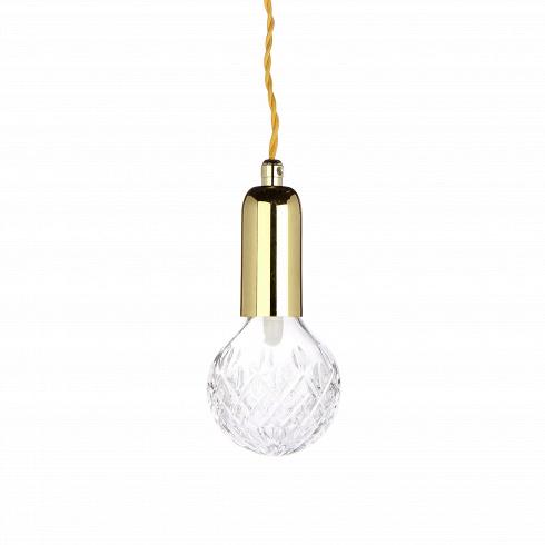 Подвесной светильник Crystal BulbПодвесные<br>Подвесной светильник Crystal Bulb - это дизайнерский продукт, который станет ключом к вашему будущему модному интерьеру.<br><br> Искрящаяся на свету резная поверхность лампы создает необычный эффект - отбрасываемые световые волны создают необычный геометрический узор. С таким светильником вы гарантированно создадите чарующую атмосферу роскоши и особого таинства.<br><br>Очень романтичный, женственный и нежный - он создан, чтобы покорить сердца мечтательных натур, которые не ...<br>