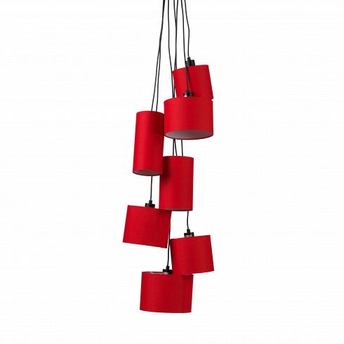 Подвесной светильник Fabric ClusterПодвесные<br>Порой свет играет наиважнейшую роль в дизайне интерьера. Иногда мебель, стены и полы подобраны в скромной и сдержанной цветовой палитре, но в то же время наряду с аксессуарами светильники становятся «единственными актерами театра». Подвесной светильник Fabric Cluster как раз подходит на эту роль — поднимайте занавес, шоу начинается!<br> <br> Яркие красочные абажуры разных диаметров и размеров растянулись во всю высоту потолков, стильная «гроздь» светильников непременно прикует к себе взгляды. Есл...<br>