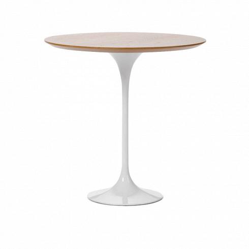 Кофейный стол Tulip с деревянной столешницей высота 52Кофейные столики<br>Простой и оригинальный во всех отношениях кофейный стол Tulip. Шикарный пример бессмертия дизайнерской мысли. Четкость линий и ничего лишнего. Эргономика, как и во всех шедеврах Ээро Сааринена, просто на высоте. Проекты великого мастера всегда отличаются своей практичностью и красотой. Долгие годы Сааринен не выходит из моды, и сейчас крайне популярен. Изначально, в 1956 году, кофейный столик был создан как составная часть коллекции, которая также включает в себя стулья и обеденный стол.<br>...<br><br>DESIGNER: Eero Saarinen