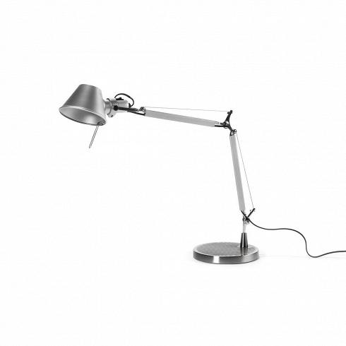 Настольный светильник Desktop высота 98Настольные<br>Помните знаменитую передачу «Детский час», на заставке которой трогательно общались мама-лампа и маленькая лампа-дочка? Вернуться в детство поможет этот настольный светильник — точь-в-точь как малютка-лампа в любимой телепрограмме. Прообразом этого легкого (каркас выполнен из алюминия) и функционального светильника в стиле ретрофутуризм послужил знаменитый Tolomeo, созданный итальянцами Микеле де Лукки и Джанфранко Фассиной в 1987 году. Тогда они не зря получили за свое изобретение прести...<br>