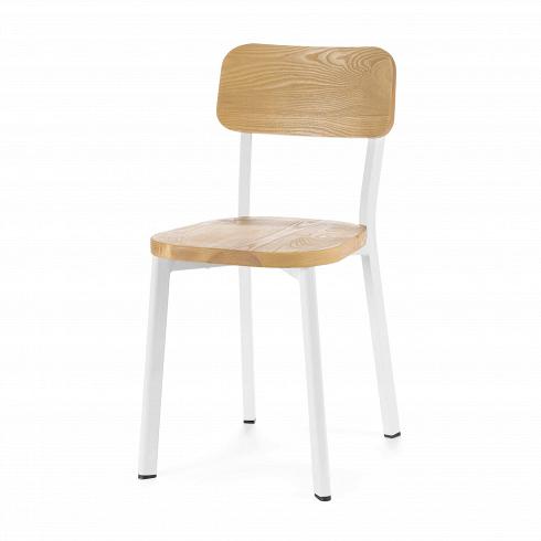 Стул Deja-vu деревянныйИнтерьерные<br>Наото Фукасава, японский дизайнер-минималист, прославил на весь мир уникальное творение своей фантазии — стул Deja-vu, изготовленный исключительно из нержавеющей стали с глянцевым блеском серебра. Как и все работы мастера, стул обладает простыми формами и поразительной практичностью.<br><br><br> Перед нами модель легендарного стула, но в новом исполнении. Стальная конструкция из четырех ножек может быть окрашена в белый или темно-серый цвет. Антискользящие защитные насадки повышают надежность ...<br><br>DESIGNER: Naoto Fukasawa