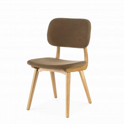 Стул CivilИнтерьерные<br>Стул Civil — это простой дизайн и комфорт, стиль и изящество элитного дерева. Этот стул будет прекрасно смотреться не только в офисе или кабинете, но и отлично впишется в интерьер вашей квартиры. Благодаря различным расцветкам, имеющимся в наличии, вы сможете подобрать стул, который подойдет именно вам.<br><br><br> В качестве основного материала для изготовления этих стульев используется высококачественная, невероятно прочная древесина американского ореха и белого дуба. Сиденье и спинка сту...<br>