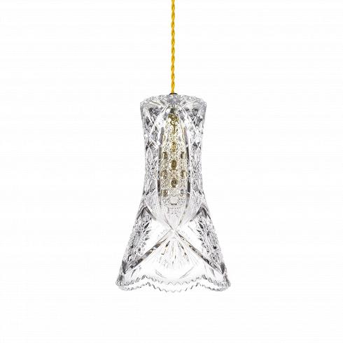 Подвесной светильник Crystal Flower VaseПодвесные<br>А что, позвольте поинтересоваться, ваза забыла у вас на потолке? И почему ко всему прочему она светит?<br> <br> А потому что дизайнерыподвесного светильника Crystal Flower Vase -большие виртуозы в своем деле. Материал, цвет, объемный узор - все это прямая отсылка к хрустальным вазам, которые по-прежнему хранятся у многих из нас. Но глядя на них никто не ожидал, что из них вышел бы отличный дизайнерский светильник! Свет, проходящий сквозь стенки изделия, изящно преломляется в г...<br>