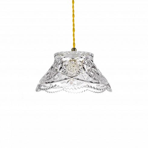 Подвесной светильник Crystal BowlПодвесные<br>А что, позвольте поинтересоваться, ваза забыла у вас на потолке? И почему ко всему прочему она светит?<br> <br> А потому что дизайнерыподвесного светильника Crystal Bowl -большие виртуозы в своем деле. Материал, цвет, объемный узор - все это прямая отсылка к хрустальным вазам, которые по-прежнему хранятся у многих из нас. Но глядя на них никто не ожидал, что из них вышел бы отличный дизайнерский светильник! Свет, проходящий сквозь стенки изделия, изящно преломляется в гранях р...<br>