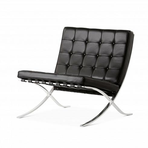 Кресло Barcelona 2Интерьерные<br>Как так могло получиться, что стул, созданный 80 лет назад, до сих пор остается для современной мебели культовым предметом? Давно забытое старое как обычно становится трендом.<br> <br> Дизайн кресла Barcelona 2 был результатом сотрудничества Лили Рейх и Людвига Миса ван дер Роэ. В 1960-е годы это кресло заняло свое заслуженное и почетное место в кабинетах банков, крупных компаний по всему миру и стало иконой стиля. А теперь и вовсе заняло место в лидирующих позициях по продажам среди европейских ...<br><br>DESIGNER: Ludwig Mies van der Rohe