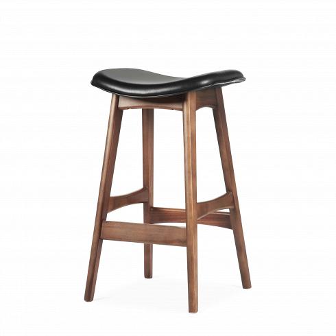 Барный стул Allegra высота 67Полубарные<br>Первоначально разработанный Йоханнесом Андерсеном в1961 году, барный стул Allegra высота 67 — простое, ношикарное дополнение клюбому дому или офису. Ссиденьем, находящимся науровне 76 сантиметров, этот стильный стул практичен исовременен.<br><br><br> Высококачественная рама барного стула Allegra высота 67 выполнена изореха, асиденье— измягкой кожи, которую ктомуже легко чистить. Сиденье шириной 40 сантиметров подстроено по...<br>