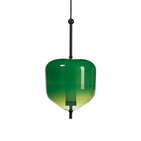 Подвесной светильник  Green AppleПодвесные<br>Стильныйподвесной светильник с говорящим названиемGreen Apple- причудливый декоративный элемент, который внесет в любой интерьер ноту иронии, оживляющую атмосферу.<br> <br> Яркий насыщенный зеленый цвет и необычная для светильниковформа - секрет успеха коллекции подвесных светильников, также состоящей из светильниковGreen Float,Green BoyaиGreen Plum.<br> <br> Свое название светильник получил из-за схожести с источником вдохновения для создании - яблоком...<br>