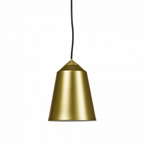 Подвесной светильник BellПодвесные<br>Своей формой и цветовым исполнением подвесной светильник Bell полностью оправдывает свое название. С английского bell переводится как колокол.<br> <br> Его минималистичный дизайн позволяет использовать светильник не только в доме, но также в гостиницах, барах и ресторанах. Долговечный благодаря использованным материалам светильник - полезный инструмент в создании дизайна интерьеров с большой проходимостью. Он обязательно придется к месту, если вы находитесь в поисков светильников для св...<br>