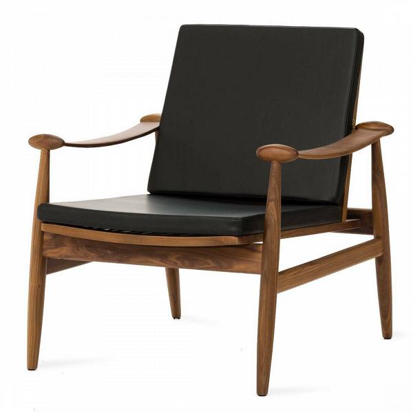 Кресло SpadeИнтерьерные<br>Дизайнерское легкое классическое кресло Spade (Спейд) с деревянным каркасом от Cosmo (Космо).<br><br><br> Кресло для отдыха сВподлокотниками сВпростым иВсовременным дизайном.<br><br><br> Кресло Spade первоначально было разработано вВ1954 году. Это была первая работа Финна Юля, датского дизайнера, новатора своего времени. Настоящий датский шедевр ручной работы, предназначенный для массового производства. Кресло Spade создано по лекалам, вВкоторые идеально вписывается человеческ...<br><br>stock: 0<br>Высота: 79,5<br>Высота сиденья: 39<br>Ширина: 74<br>Глубина: 79<br>Материал каркаса: Массив ореха<br>Тип материала каркаса: Дерево<br>Коллекция ткани: Deluxe<br>Тип материала обивки: Кожа<br>Цвет обивки: Черный<br>Цвет каркаса: Орех американский<br>Дизайнер: Finn Juhl
