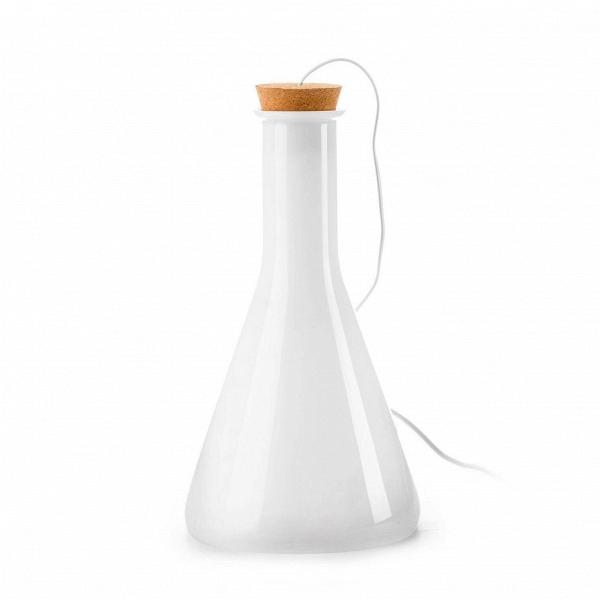 Настольный светильник Labware коническийНастольные<br>Дизайнерский белый конический настольный светильник Labware (Лабвэр) от Cosmo (Космо).<br>Каждое изделие коллекцииВподвесных и настольных светильников Labware<br>пронизаноВдухом химических лабораторий. Их форма, цвет и материал напоминают колбы и пробирки, используемые для научных экспериментов. За неповторимый дизайн автор проекта Бенджамин Хьюберт был отмечен наградой церемонии Blueprint в номинации «Лучший новый продукт».В<br> <br> Этот шутливый дизайн обязательно придется по вкус...<br><br>stock: 8<br>Высота: 48<br>Диаметр: 25<br>Количество ламп: 1<br>Материал абажура: Стекло<br>Мощность лампы: 40<br>Ламп в комплекте: Нет<br>Напряжение: 220<br>Тип лампы/цоколь: E27<br>Цвет абажура: Белый<br>Дизайнер: Benjamin Hubert