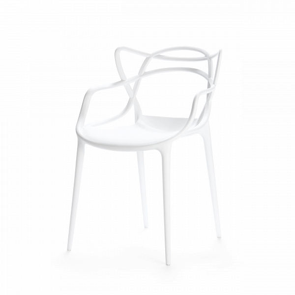 Стул MastersИнтерьерные<br>Этот изящный стул придумал гуру современного дизайна Филипп Старк. «Мы родились не сегодня. И до нас были мастера», — рассуждал Старк. И по его задумке хитросплетения этого стула должны ассоциироваться с росчерками трех великих мастеров и тремя же великими произведениями. Соединив их вместе, в одном ярком предмете мебели, неутомимый фантазер Старк создал «новый продукт, новый проект — как отражение нашего нового общества», по собственному выражению дизайнера.<br><br><br> Модель изготовлена из ...<br><br>stock: 11<br>Высота: 83<br>Высота сиденья: 46<br>Ширина: 55<br>Глубина: 54.5<br>Тип материала каркаса: Полипропилен<br>Цвет каркаса: Белый<br>Дизайнер: Philippe Starck