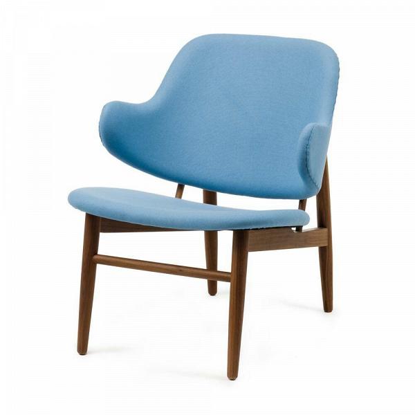 Кресло KofodИнтерьерные<br>Дизайнерское легкое яркое кресло Kofod (Кофод) с широкой спинкой без подлокотников от Cosmo (Космо).<br><br><br> В пятидесятые-шестидесятые годы творения датского архитектора и дизайнера Иба Кофод-Ларсена незаслуженно игнорировались и не пользовались успехом в его родной Скандинавии. Возможно, шведы (а он работал именно наВэтом рынке) сочли его мебель слишком уж лаконичной и минималистичной, но сегодня на волне моды на скандинавский дизайн с его простотой и утилитарностью сложно представить...<br><br>stock: 0<br>Высота: 76,5<br>Высота сиденья: 40<br>Ширина: 66<br>Глубина: 67,5<br>Цвет ножек: Орех американский<br>Материал ножек: Массив ореха<br>Материал обивки: Шерсть, Нейлон<br>Коллекция ткани: T Fabric<br>Тип материала обивки: Ткань<br>Тип материала ножек: Дерево<br>Цвет обивки: Светло-голубой<br>Дизайнер: Ib Kofod Larsen