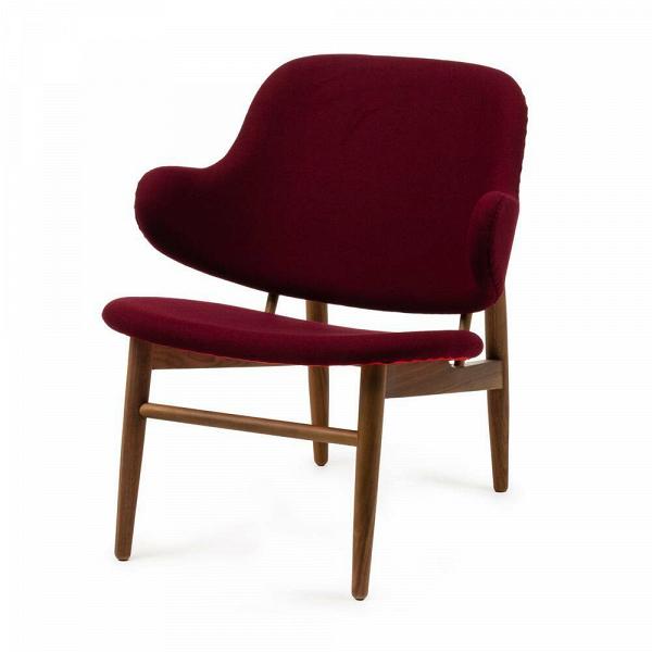 Кресло KofodИнтерьерные<br>Дизайнерское легкое яркое кресло Kofod (Кофод) с широкой спинкой без подлокотников от Cosmo (Космо).<br><br><br> В пятидесятые-шестидесятые годы творения датского архитектора и дизайнера Иба Кофод-Ларсена незаслуженно игнорировались и не пользовались успехом в его родной Скандинавии. Возможно, шведы (а он работал именно наВэтом рынке) сочли его мебель слишком уж лаконичной и минималистичной, но сегодня на волне моды на скандинавский дизайн с его простотой и утилитарностью сложно представить...<br><br>stock: 0<br>Высота: 76,5<br>Высота сиденья: 40<br>Ширина: 66<br>Глубина: 67,5<br>Цвет ножек: Орех американский<br>Материал ножек: Массив ореха<br>Материал обивки: Шерсть, Нейлон<br>Коллекция ткани: T Fabric<br>Тип материала обивки: Ткань<br>Тип материала ножек: Дерево<br>Цвет обивки: Бургунди<br>Дизайнер: Ib Kofod Larsen