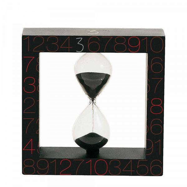 Песочные часы Seletti на 3 минутыЧасы<br>Дизайнерские песочные черные часы Seletti (Селетти) на 3 минуты от Seletti (Селетти).<br><br> Итальянские дизайнеры из компании Seletti чтут традиции модернизма, не забывая о старинных канонах красоты, иВскрещивают новые формы и цвета с классическим декором, получая ни на что не похожие предметы.<br><br><br> Компания была создана еще в шестидесятых, один из ее основателей Романо в то время активно путешествовал по востоку Китая и привез в Европу предметы интерьера из бамбука, посуду и скатерти с...<br><br>stock: 0<br>Высота: 12,5<br>Ширина: 4<br>Материал: Стекло<br>Длина: 12,5