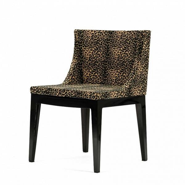 Стул MademoiselleИнтерьерные<br>Дизайнерский черный стул Mademoiselle (Мадмуазель) из поликарбоната с леопардовой обшивкой от Cosmo (Космо).<br><br> Стул Mademoiselle Филиппа Старка сочетает вВсебе удобство, стиль иВсовременный дизайн. Для создания этого стула использовалось два контрастирующих материала: поликарбонат иВтканьВ— один изВкоторых представляет современность, аВдругойВ— 1960-е годы.<br><br><br><br><br>     Благодаря доступным цветовым решениям иВузорам ткани, оригинальный стул Mademoise...<br><br>stock: 13<br>Высота: 87<br>Высота сиденья: 47<br>Ширина: 53<br>Глубина: 50,5<br>Цвет ножек: Черный<br>Материал ножек: Поликарбонат<br>Материал сидения: Микрофибра<br>Цвет сидения: Леопард<br>Тип материала сидения: Ткань<br>Тип материала ножек: Пластик<br>Дизайнер: Philippe Starck