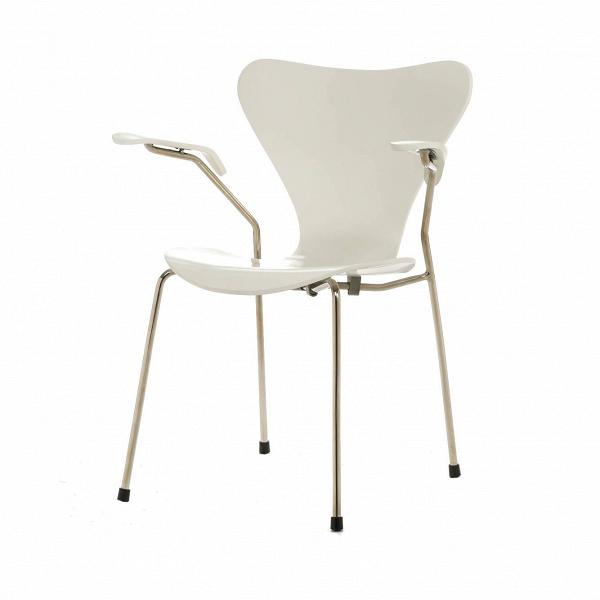 Стул S7 c подлокотникамиИнтерьерные<br>Дизайнерский легкий яркий стул S7 (С7) c подлокотниками на металлическом каркасе с деревянными сиденьем и спинкой от Cosmo (Космо).<br><br>     Эта фантазия на тему знаменитого стула «Муравей» гения датского минимализма Арне Якобсена, который он довел доВсовершенства в своей «Серии 7» 1955 года, придется поВвкусу всем: дети оценят необычную форму стула, а взрослые — лаконичный дизайн и функциональность.<br><br><br>     Выглядит он просто: четыре ножки из стали и каркас из натурального дерева,...<br><br>stock: 3<br>Высота: 75,5<br>Высота сиденья: 42<br>Ширина: 60<br>Глубина: 55,5<br>Цвет ножек: Хром<br>Материал сидения: Массив березы<br>Цвет сидения: Белый<br>Тип материала сидения: Дерево<br>Тип материала ножек: Сталь нержавеющая<br>Дизайнер: Arne Jacobsen