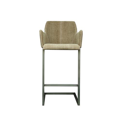 Стул барный Стив (STEVE BARSTOOL/Army 14)Барные<br>Дизайнерский светло-зеленый тканеый барный стул Steve (Стив) на металлических ножках от Roomers (Румерс).<br><br>stock: 8<br>Высота: 57<br>Ширина: 56<br>Материал: каркас металл, обивка текстиль<br>Цвет: Army 14<br>Длина: 115<br>Ширина: 56<br>Высота: 57<br>Длина: 115
