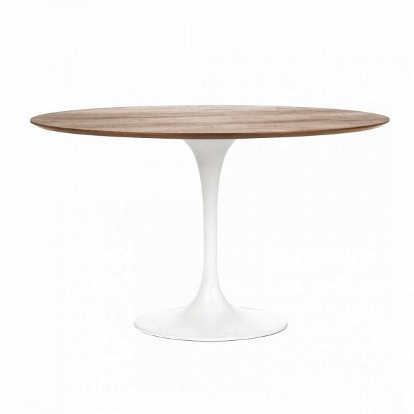 Обеденный стол Tulip с деревянной столешницей диаметр 122Обеденные<br>Ээро Сааринен — крупный представитель американских архитекторов и промышленных дизайнеров. В ходе собственных экспериментов Ээро сформировал собственный неофутуристический стиль. В его направлении преобладает простота иВширота структурных кривых. Настоящей находкой архитектора в создании мебели стала модель Tulip («тюльпан») — кресла и столы на одной опоре.<br><br><br> Обеденный стол Tulip с деревянной столешницей диаметр 122 олицетворяет современный стиль и комфорт. Продолжая дизайнерскую...<br><br>stock: 5<br>Высота: 72<br>Диаметр: 121,5<br>Цвет ножек: Белый глянец<br>Цвет столешницы: Орех американский<br>Материал столешницы: Фанера, шпон ореха<br>Тип материала столешницы: Фанера<br>Тип материала ножек: Алюминий<br>Дизайнер: Eero Saarinen