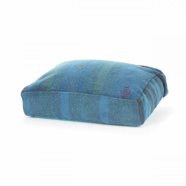 Подушка AnatoliaДекоративные подушки<br>Дизайнерская хлопковая подушка Anatolia (Анатолия) ручного производства от Cosmo (Космо).<br><br> Среди многообразия современных стилейВпорой так хочется найти тот, что будет созвучным с собственным характером, отражающим вашу индивидуальность и создающим вВинтерьере ощущение комфорта и естественности. Этим, вероятно, иВобъясняется популярность этнического стиля в оформлении интерьера.<br><br><br> С помощью декоративной подушки Anatolia легко создать уютную атмосферу экзотической стран...<br><br>stock: 5<br>Высота: 15<br>Ширина: 45<br>Материал: Хлопок<br>Цвет: Голубой<br>Длина: 60<br>Тип производства: Ручное производство