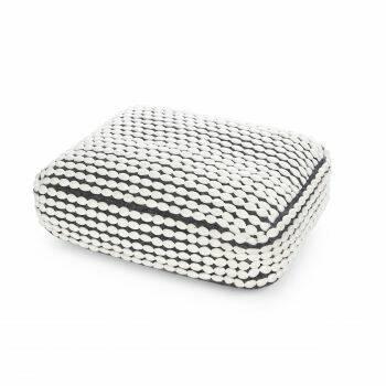 Подушка RococoДекоративные подушки<br>Дизайнерская комфортная подушка Rococo (Роккоко) из полиэстера от Cosmo (Космо).<br>Оригинальная подушка RococoВотлично подходит для декорирования гостиных в скандинавском стиле. Она вручную создана из экологичных натуральных материалов, приятных на ощупь. Для своих покупателей компания Cosmo предлагает широкий спектр цветовых вариантов, которые помогут разнообразить любой современный интерьер. Сочные цвета в сочетании с мягкостью изделия угодят любому! <br><br>Данную модель можно использовать...<br><br>stock: 9<br>Высота: 15<br>Ширина: 45<br>Материал: Полиэстер<br>Цвет: Белый<br>Длина: 60<br>Состав основы: Полиэстер<br>Тип производства: Ручное производство