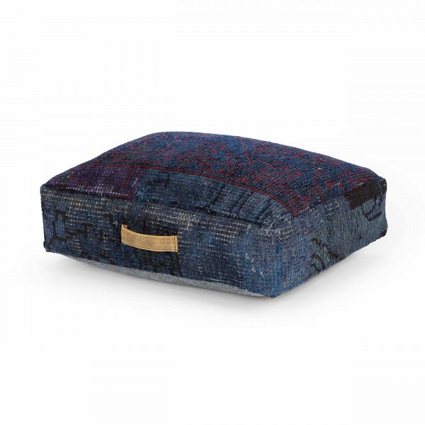 Подушка KashiДекоративные подушки<br>Материал, из которого изготовлена подушка Kashi, — вискоза, невероятно мягкая на ощупь гипоаллергенная ткань. Она отлично окрашивается и долгое время не теряет первоначального цвета, что делает изделия практичными и красивыми.В<br><br> Квадратная и прямоугольная подушки подходят для декорирования темныхВтканевыхВдиванов в стиле лофт. Каждая из них изготовлена вручную, поэтому выбрав для себя их, вы приобретаете подлинную работу искусных мастеров.В<br><br><br> На прямоугольной поду...<br><br>stock: 13<br>Высота: 15<br>Ширина: 45<br>Материал: Вискоза<br>Цвет: Тёмно-синий<br>Высота ворса: 3-4mm<br>Длина: 60<br>Тип производства: Ручное производство