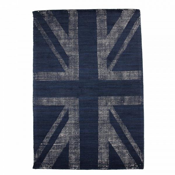 Ковер BuckinghamКовры<br>Дизайнерский ковер Buckingham (Букингем) с британским флагом в цвете индиго от Cosmo (Космо).<br>Принт, нанесенный на коверВBuckingham, в особыхВпредставлениях не нуждается. С помощью особой ковроткацкойВтехники из цветного ворса выткан рисунок британского флага, все чаще являющийся популярным атрибутом современных интерьеров. Молодежь, которая определенно знает толк в современном дизайне, использует стилизованные флаги для декорирования стен, полов и мебели. Любой интерьер, где ...<br><br>stock: 0<br>Ширина: 190<br>Материал: Шерсть<br>Цвет: Индиго<br>Высота ворса: 10mm<br>Длина: 290<br>Состав основы: Хлопок<br>Тип производства: Ручное производство