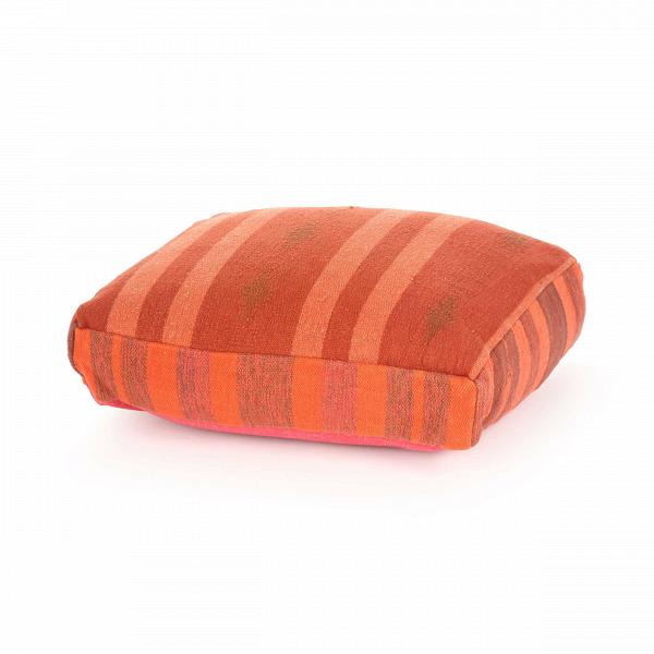 Подушка AnatoliaДекоративные подушки<br>Дизайнерская хлопковая подушка Anatolia (Анатолия) ручного производства от Cosmo (Космо).<br><br> Среди многообразия современных стилейВпорой так хочется найти тот, что будет созвучным с собственным характером, отражающим вашу индивидуальность и создающим вВинтерьере ощущение комфорта и естественности. Этим, вероятно, иВобъясняется популярность этнического стиля в оформлении интерьера.<br><br><br> С помощью декоративной подушки Anatolia легко создать уютную атмосферу экзотической стран...<br><br>stock: 11<br>Высота: 15<br>Ширина: 45<br>Материал: Хлопок<br>Цвет: Красно-коричневый<br>Длина: 60<br>Тип производства: Ручное производство