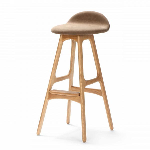 Барный стул Buch 3Барные<br>Дизайнерский барный стул Buch (Буш) без подлокотников на деревянных ножках от Cosmo (Космо).<br> Высокий барный стул Buch 3 создан еще вВ1960 году дизайнером Эриком Буком, который посвятил всю свою жизнь дизайну и архитектуре. У Эрика Бука было свыше 30 коммерчески успешных дизайн-проектов, среди которых самым успешным стал именно этот барный стул, который нашел свое место в миллионах домов по всему миру. Сегодня же стулья, сконструированные Эриком Буком, по-прежнему производятся на фабри...<br><br>stock: 2<br>Высота: 85,5<br>Высота сиденья: 75<br>Ширина: 40<br>Глубина: 45<br>Цвет ножек: Белый дуб<br>Материал ножек: Массив дуба<br>Материал сидения: Хлопок, Лен<br>Цвет сидения: Коричневый<br>Тип материала сидения: Ткань<br>Коллекция ткани: Ray Fabric<br>Тип материала ножек: Дерево<br>Дизайнер: Erik Buch