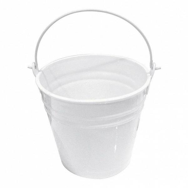 Ведерко Estetico QuotidianoПосуда<br>Ведерко Estetico Quotidiano из коллекции столовой посуды Estetico Quotidiano. Что вВнашей жизни может быть привычнее иВнезаметнее, чем, например, одноразовая посуда или пластиковые бутылки? Разве только посуда вВсобственном доме, наВрисунок которой уже давно неВобращаешь внимания.<br><br><br> Дизайнер Алессандро Дзамбелли совместно с компанией Seletti выпустили коллекцию столовой посуды под названием Estetico Quotidiano, что можно перевести сВитальянского языка...<br><br>stock: 0<br>Высота: 22,5<br>Материал: Фарфор<br>Цвет: Белый<br>Диаметр: 23
