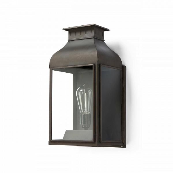 Настенный светильник LanternНастенные<br>Настенный светильник Lantern<br>эффектно выглядит и является отличным источником света, будь тоВприхожая, крыльцо или столовая.<br><br><br><br> Лаконичный дизайн иВвыбор материалов (латунь, медь, алюминий, чугун) делают светильники фирмы Davey Lighting одинаково популярными иВвостребованными как уВприверженцев строгой классики, так иВуВлюбителей современных форм.<br><br><br> Настенный светильник Lantern отлично подойдет как кВсовременным, так иВкВклассически...<br><br>stock: 2<br>Высота: 42<br>Ширина: 18,5<br>Длина: 21<br>Материал абажура: Стекло<br>Материал арматуры: Металл<br>Мощность лампы: 60<br>Ламп в комплекте: Нет<br>Напряжение: 220<br>Тип лампы/цоколь: E27<br>Цвет абажура: Прозрачный<br>Цвет арматуры: Латунь