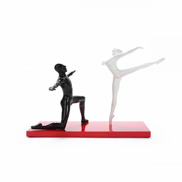 Статуэтка BalletНастольные<br>Дизайнерская стильная разноцветная статуэтка танцующей пары Ballet (Баллет) от Cosmo (Космо).Олицетворение этого настольного декора — сила и грация. Это две стороны одного целого. Баланс этого изделия достигнут не только благодаря композиции, но и грамотно подобранным цветам. Черный, белый и красный — три цвета, которые идеально сочетаются вне моды и времени, поэтому оригинальная статуэтка Ballet — это не только стильный, но и лаконичныйВэлемент декора.<br> <br> Изделие изготовлено из ставше...<br><br>stock: 8<br>Высота: 30<br>Ширина: 45<br>Материал: Полистоун<br>Цвет: Белый<br>Длина: 37<br>Цвет дополнительный: Черный