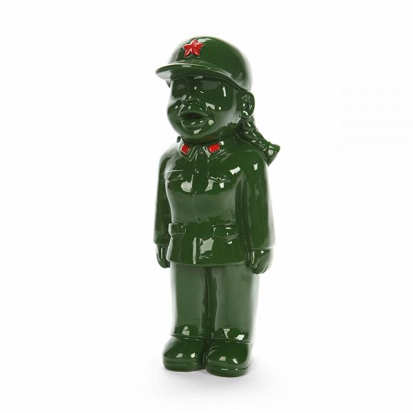 Статуэтка Military Man 3Настольные<br>Дизайнерская маленькая зеленая статуэтка девочки в военной форме Military Man (Милэтри Мэн) из полистоуна от Cosmo (Космо).Коллекция интерьерного декора Get IntoВKhaki! (в переводе с английского «Натягивай форму!») — это широкий модельный ряд настольных статуэток, объединенных одной тематикой — военным ремеслом. Захотите ли вы поставить эти причудливые фигурки у себя на стеллаже или же задумали вручить пару таких фигурок своим друзьям или коллегам, это решать уже вам!<br> <br> В коллекции ес...<br><br>stock: 1<br>Высота: 24<br>Ширина: 9<br>Материал: Полистоун<br>Цвет: Зелёный<br>Длина: 10