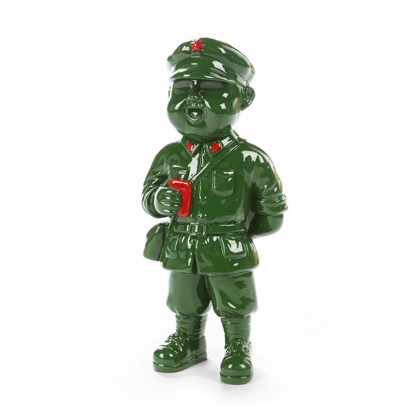 Статуэтка Military Man 7Настольные<br>Дизайнерская невысокая статуэтка Military Man (Милитэри Мэн) солдата-ребенка из полистоуна от Cosmo (Космо).<br> Организация как жилого, так и общественного пространства требует использования не только самых необходимых предметов интерьера, но и особых его элементов — предметов декора. Некоторые из них имеют свою функциональную значимость, у некоторых ее нет, но есть один неоспоримый факт: элементы декора всегда привносят в помещение особую изюминку и уникальный характер, придают ему живость и...<br><br>stock: 6<br>Высота: 26<br>Ширина: 12<br>Материал: Полистоун<br>Цвет: Зелёный<br>Длина: 9