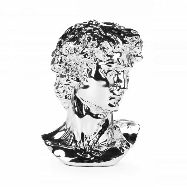 Статуэтка Antinous серебрянаяНастольные<br>Дизайнерская высокая статуэтка Antinous (Антинус) серебряного цвета в форме бюста человека от Cosmo (Космо).<br>         В суете нашей современности порой очень хочется прикоснуться к чему-то постоянному и стабильному. И в таком случае прохладный, порой экстравагантный современный стиль в интерьере сменяется на незыблемую и вечную классику. Убранство дома в классических традициях дарит всем домочадцам ощущение уверенности и спокойствия, что так важно чувствовать в стенах своего жилища.<br><br><br> Ор...<br><br>stock: 0<br>Высота: 59<br>Ширина: 36,5<br>Материал: Полистоун<br>Цвет: Серебряный<br>Длина: 43