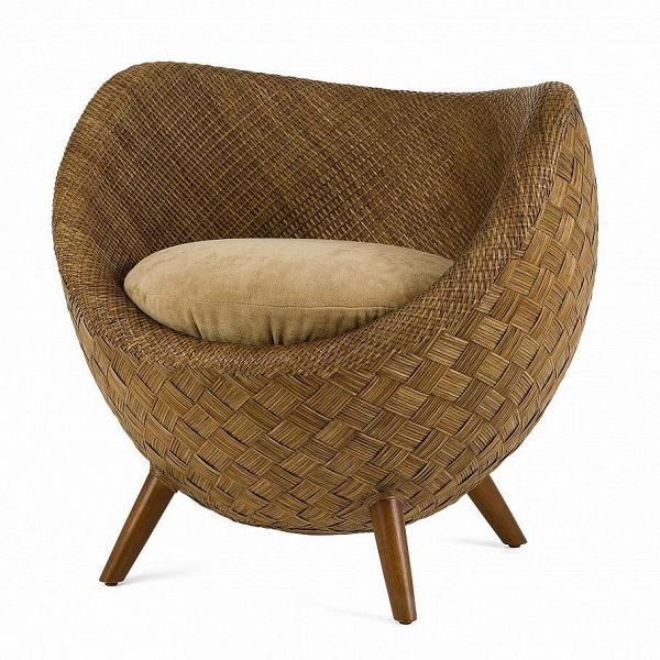 Кресло La LunaИнтерьерные<br>Коллекция интерьерной мебелиВLa LunaВ— жемчужина ассортимента филиппинского бренда от Кеннета Кобонпу. Это подлинный шедевр, демонстрирующий исключительное мастерство в изготовлении плетеной мебели. АутентичнаяВLa LunaВ— результат кропотливой ручной работы, высокое качество в каждой детали.<br> <br> Основной материал, использованный при изготовлении, — ротанг. Это материал природного происхождения, популярный в интерьерном дизайне. Из него изготавливают изголовья кроватей, све...<br><br>stock: 0<br>Высота: 72<br>Ширина: 77<br>Глубина: 75<br>Цвет ножек: Орех американский<br>Материал ножек: Массив ореха<br>Материал обивки: Велюр<br>Тип материала каркаса: Ротанг<br>Тип материала обивки: Ткань<br>Тип материала ножек: Дерево<br>Цвет обивки: Серый<br>Цвет каркаса: Коричневый<br>Дизайнер: Kenneth Cobonpue