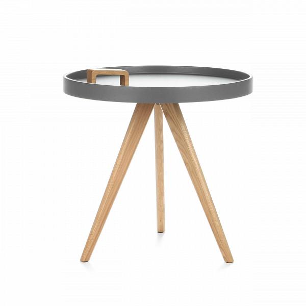 Кофейный стол OxleyКофейные столики<br>Дизайнерский круглый кофейный столик Oxley (Оксли) с ручкой от Cosmo (Космо).<br><br>Кофейный стол Oxley — это компактный столик, который непременно впишется в современный интерьер любой жилой комнаты. Самое примечательное в нем — это ручка для переноски, которая прикреплена к столешнице. Таким образом, столик легко перенести с одного места на другое. Он очень удобен при сервировке обеденных трапез или в качестве придиванного/прикроватного.В<br> <br> Дизайн оригинального столика выполнен в ска...<br><br>stock: 0<br>Высота: 50<br>Диаметр: 50<br>Цвет ножек: Дуб<br>Цвет столешницы: Холодный серый<br>Материал ножек: Массив дуба<br>Тип материала столешницы: МДФ<br>Тип материала ножек: Дерево