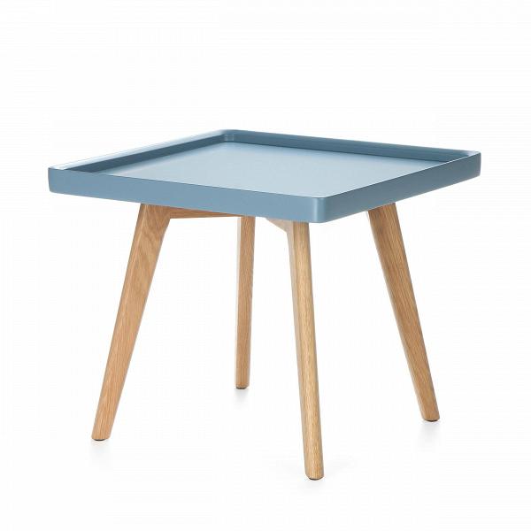 Кофейный стол DrewКофейные столики<br>Дизайнерский светлый кофейный столик Drew (Дрью) с квадратной столешницей от Cosmo (Космо).<br><br>Кофейный стол Drew — классический представитель мебели в скандинавском стиле. Он подойдет для использования в гостиной или в спальной комнате, оформленной по канонам этого направления. <br> <br> Популярный белый и серый цвета столешницыВв сочетании с прочными устойчивыми ножками из плотной древесины дуба составляют яркий приметный дизайн, который между тем прекрасно сочетается и с любым другим по...<br><br>stock: 8<br>Высота: 42<br>Ширина: 54<br>Длина: 54<br>Цвет ножек: Светло-коричневый<br>Цвет столешницы: Серо-синий<br>Материал ножек: Массив дуба<br>Тип материала столешницы: МДФ<br>Тип материала ножек: Дерево
