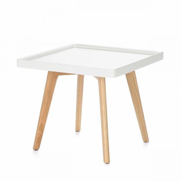 Кофейный стол DrewКофейные столики<br>Дизайнерский светлый кофейный столик Drew (Дрью) с квадратной столешницей от Cosmo (Космо).<br><br>Кофейный стол Drew — классический представитель мебели в скандинавском стиле. Он подойдет для использования в гостиной или в спальной комнате, оформленной по канонам этого направления. <br> <br> Популярный белый и серый цвета столешницыВв сочетании с прочными устойчивыми ножками из плотной древесины дуба составляют яркий приметный дизайн, который между тем прекрасно сочетается и с любым другим по...<br><br>stock: 0<br>Высота: 42<br>Ширина: 54<br>Длина: 54<br>Цвет ножек: Светло-коричневый<br>Цвет столешницы: Белый<br>Материал ножек: Массив дуба<br>Тип материала столешницы: МДФ<br>Тип материала ножек: Дерево
