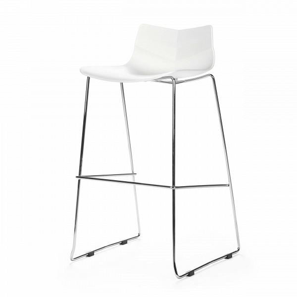 Барный стул LeafБарные<br>Дизайнерский белый барный стул Leaf (Лиф) со спинкой на стальных ножках от Cosmo (Космо). <br>Стулья Leaf — коллекция ультрамодных современных стульев для дома и предприятий. Все они выполнены из одних материалов в одном цвете. В линейке имеются барные и обеденные стулья. Барный стул Leaf — высокий стул с небольшой спинкой. Изогнутое сиденье удобно, несмотря на то что каркас изготовлен из твердых материалов. <br> <br> Дизайн стула — своего рода метафора. Вдоль сиденья небольшие складки, которые виз...<br><br>stock: 25<br>Высота: 94<br>Высота сиденья: 76<br>Ширина: 53<br>Глубина: 49<br>Цвет ножек: Хром<br>Тип материала каркаса: Полипропилен<br>Тип материала ножек: Сталь<br>Цвет каркаса: Белый