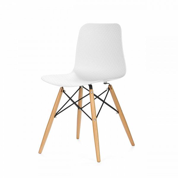 Стул GlideИнтерьерные<br>Дизайнерский пластиковый стул Glide (Глайд) на деревянных ножках из бука от Cosmo (Космо).<br>Стул Glide — это иконический дизайн с парой новых штрихов. Ножки стула Glide выполнены по одному из легендарных проектов интерьерного дизайна, который появился еще в середине прошлого столетия. Эта необычная конструкция изготовлена из натуральной древесины бука и металлических спиц, которые в свою очередь делают его не только стильным, но и устойчивым. <br> <br> Если вы еще не определились с тем, куда пост...<br><br>stock: 34<br>Высота: 82<br>Высота спинки: 45<br>Ширина: 45.5<br>Глубина: 49<br>Цвет ножек: Светло-коричневый<br>Материал ножек: Массив бука<br>Тип материала каркаса: Сталь<br>Цвет сидения: Белый<br>Тип материала сидения: Пластик<br>Тип материала ножек: Дерево<br>Цвет каркаса: Черный