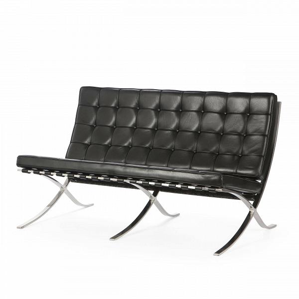 Диван Barcelona 1Двухместные<br>Дизайнерский маленький диван Barcelona 1 (Барселона 1) с хромированными ножками от Cosmo (Космо).<br><br>Как так могло получиться, что дизайн, созданный 80 лет назад, до сих пор остаетсяВиконой стиляВсовременной мебели?<br> Диван Barcelona 1 разрабатывался для испанской королевской семьи, однако оказался невостребованным. Дизайн дивана был результатом сотрудничества Лили Рейх и Людвига Миса ван Дер Роэ. В 1960-е годы этот диванВзанял свое заслуженное и почетное место в кабинетах ба...<br><br>stock: 1<br>Высота: 78,5<br>Высота сиденья: 44<br>Глубина: 78<br>Длина: 132,5<br>Цвет ножек: Хром<br>Коллекция ткани: Harry Leather<br>Тип материала обивки: Кожа<br>Тип материала ножек: Сталь нержавеющая<br>Цвет обивки: Черный<br>Дизайнер: Ludwig Mies van der Rohe