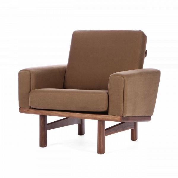 Кресло Wegner 236Интерьерные<br>Дизайнерское мягкое дизайнерское кресло Wegner 236 (Вегнер 236) с деревянным каркасом от Cosmo (Космо).<br><br><br> Кресло Wegner 236 является работой известнейшего датского дизайнера-проектировщика Ханса Вегнера. Проекты автора известны всему миру, многие из них используются в разного рода важных событиях, например, в серьезных телевизионных передачах. Кресло Wegner носит яркий авторский почерк, отличается оригинальным, но простым дизайном.<br><br><br> Обивка кресла изготовлена из приятной на ощупь ...<br><br>stock: 2<br>Высота: 80<br>Высота сиденья: 40<br>Ширина: 82<br>Глубина: 86<br>Материал каркаса: Массив ореха<br>Материал обивки: Хлопок, Лен<br>Тип материала каркаса: Дерево<br>Коллекция ткани: Ray Fabric<br>Тип материала обивки: Ткань<br>Цвет обивки: Светло-коричневый<br>Цвет каркаса: Орех американский<br>Дизайнер: Hans Wegner